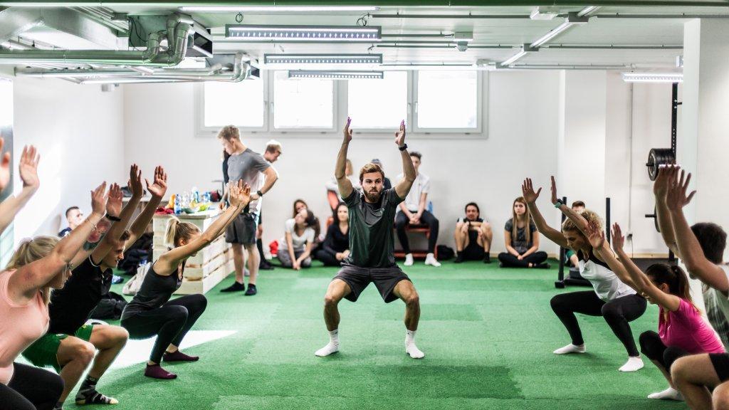 mini_band_workout_training_firmenfitness_fitness_per_aziende_sport.jpg