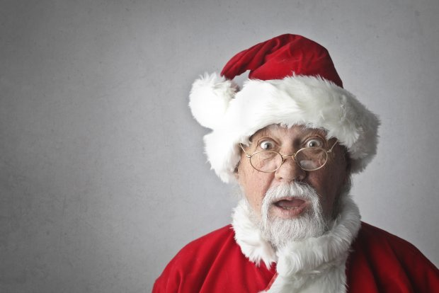man-in-santa-claus-costume-716658.jpg